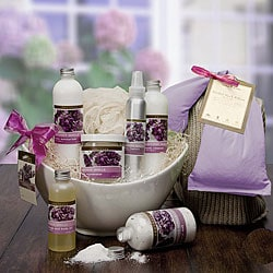 Frutesca Lavender Vanilla Relaxing Spa Basket.